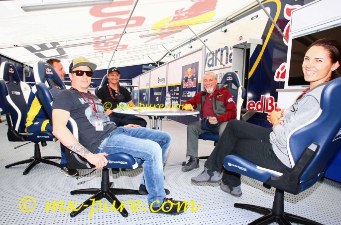Ice One Racing Boss Kimi Cheers On His Team In
