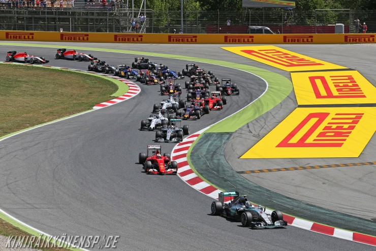 Formula One World Championship 2015, Round 5, Spannish Grand Prix, Barcelona, Spain, Sunday 10 May 2015 - Nico Rosberg (GER) Mercedes AMG F1 W06 leads at the start of the race.