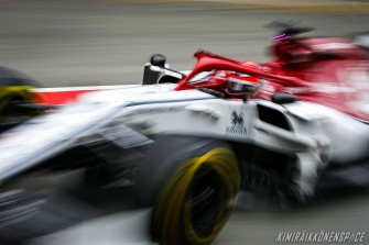 alfa-romeo-barcelona-test1day3-kimi-2019-10
